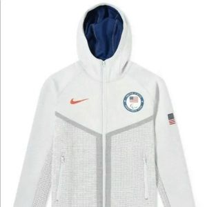 Nike Tech Pack Windrunner USA Paralympic Team Mens